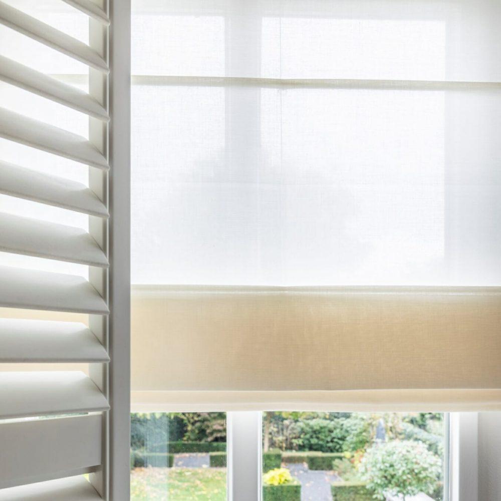 vouwgordijnen-met-zonnelux-shutters-1350x1350